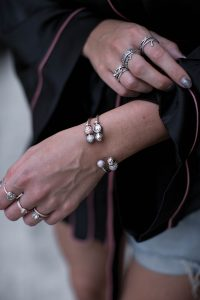 black-palms-streetstyle-pyjama-style-gucci-pincetown-pandora-3