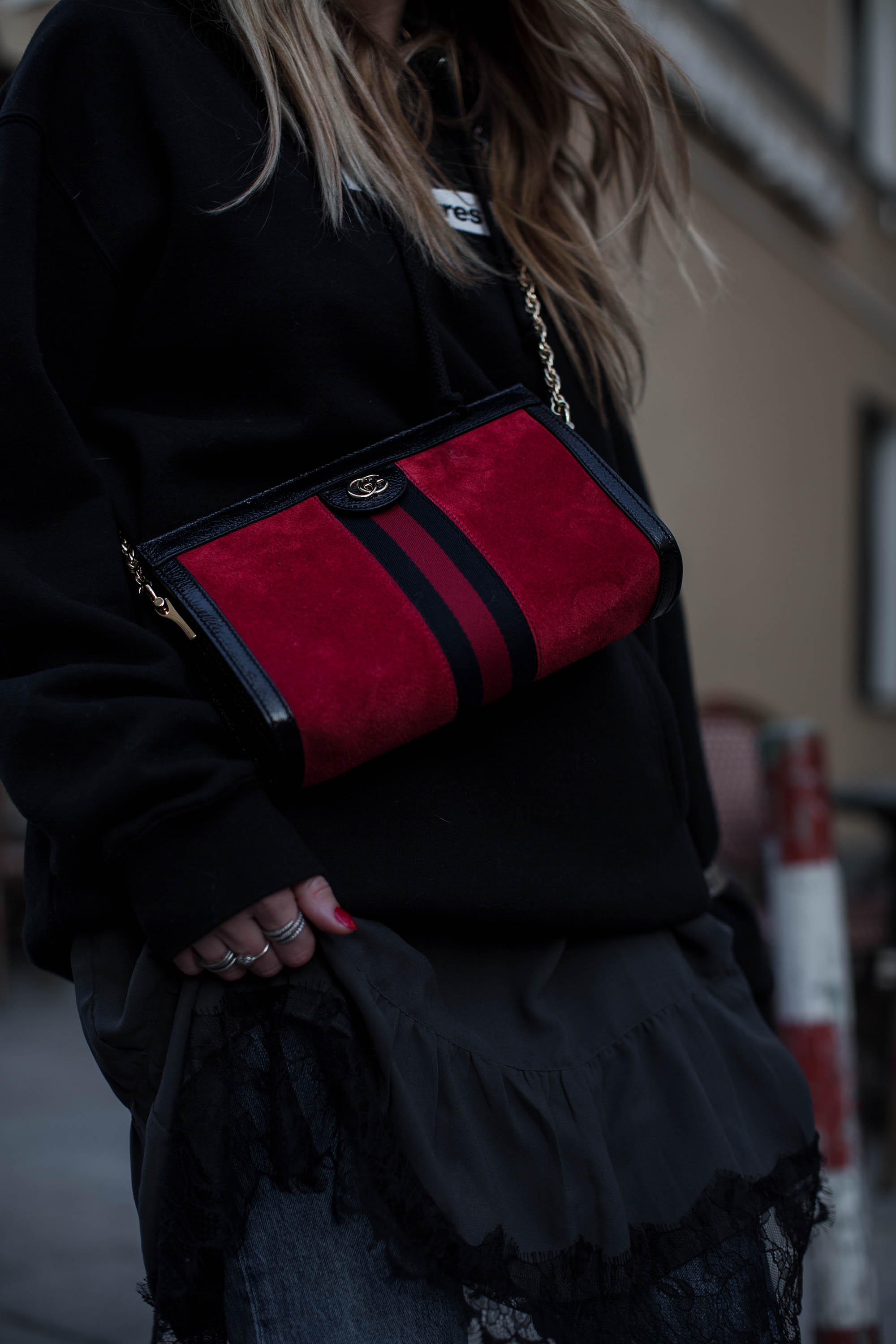 black-palms-streetstyle-gucci-princetown-gucci-ophidia-levis-fashionblog-10