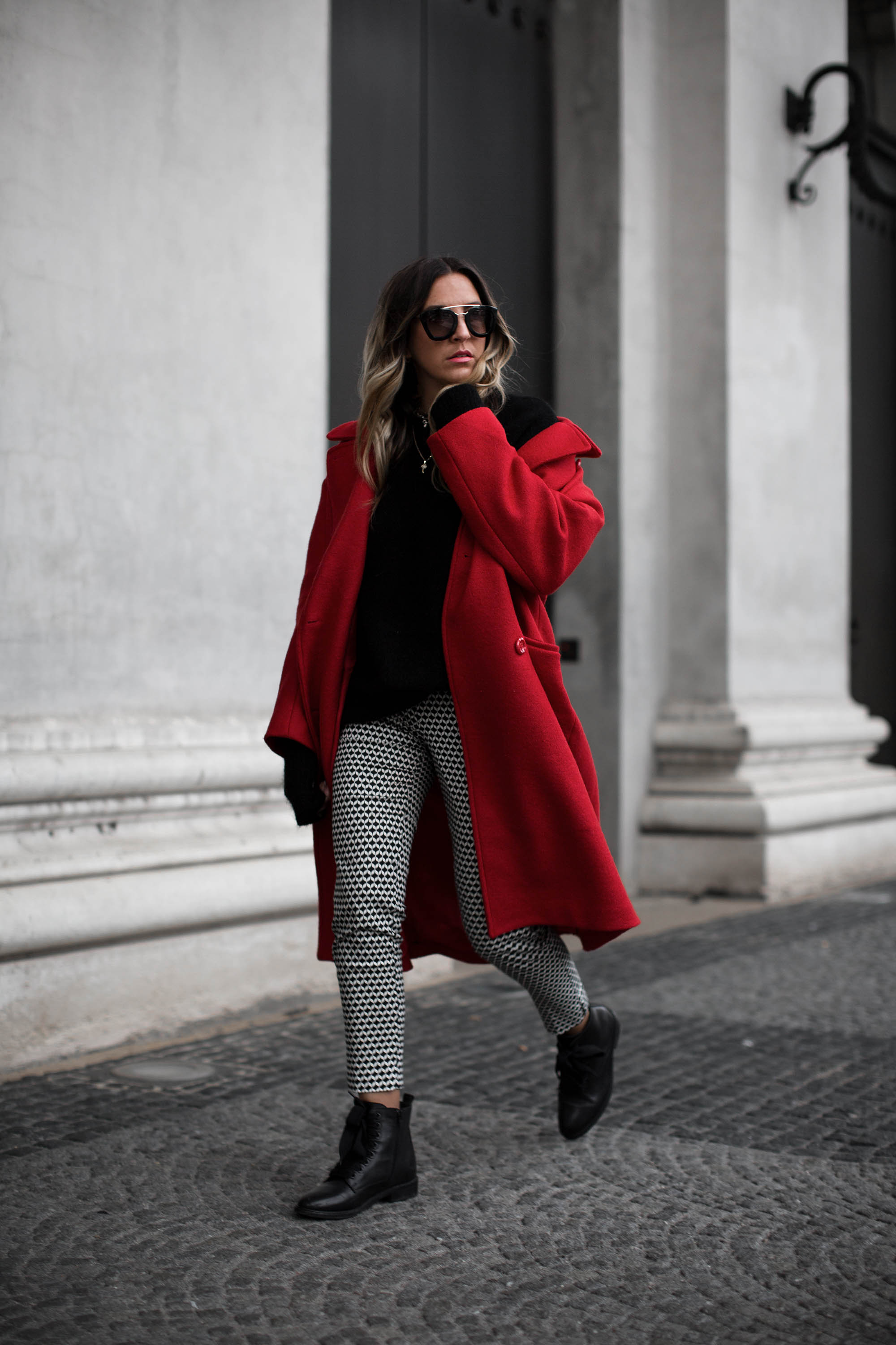black-palms-hm-roter-mantel-boots-edited-streestyle-fashionblog-5
