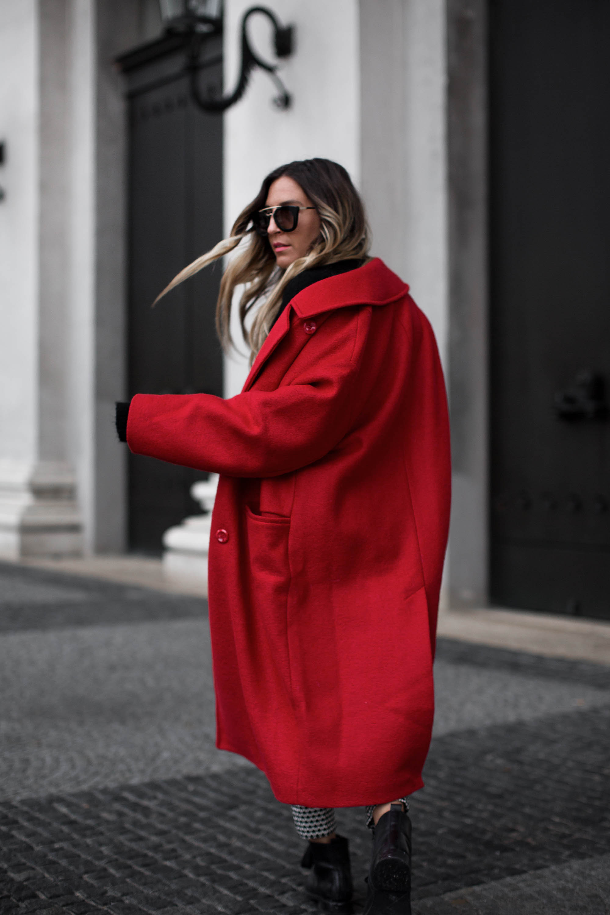 black-palms-hm-roter-mantel-boots-edited-streestyle-fashionblog-6