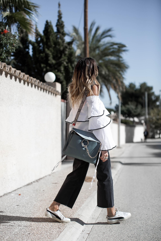 black-palms-fashionblog-travel-alicante-cropped-flared-denim-nakd-sheinside-offshoulder-chloe-faye-11-von-14