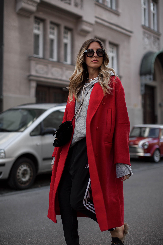 black-palms-hm-coat-red-streetstyle-gucci-princetown-slipper-fashionblog-5