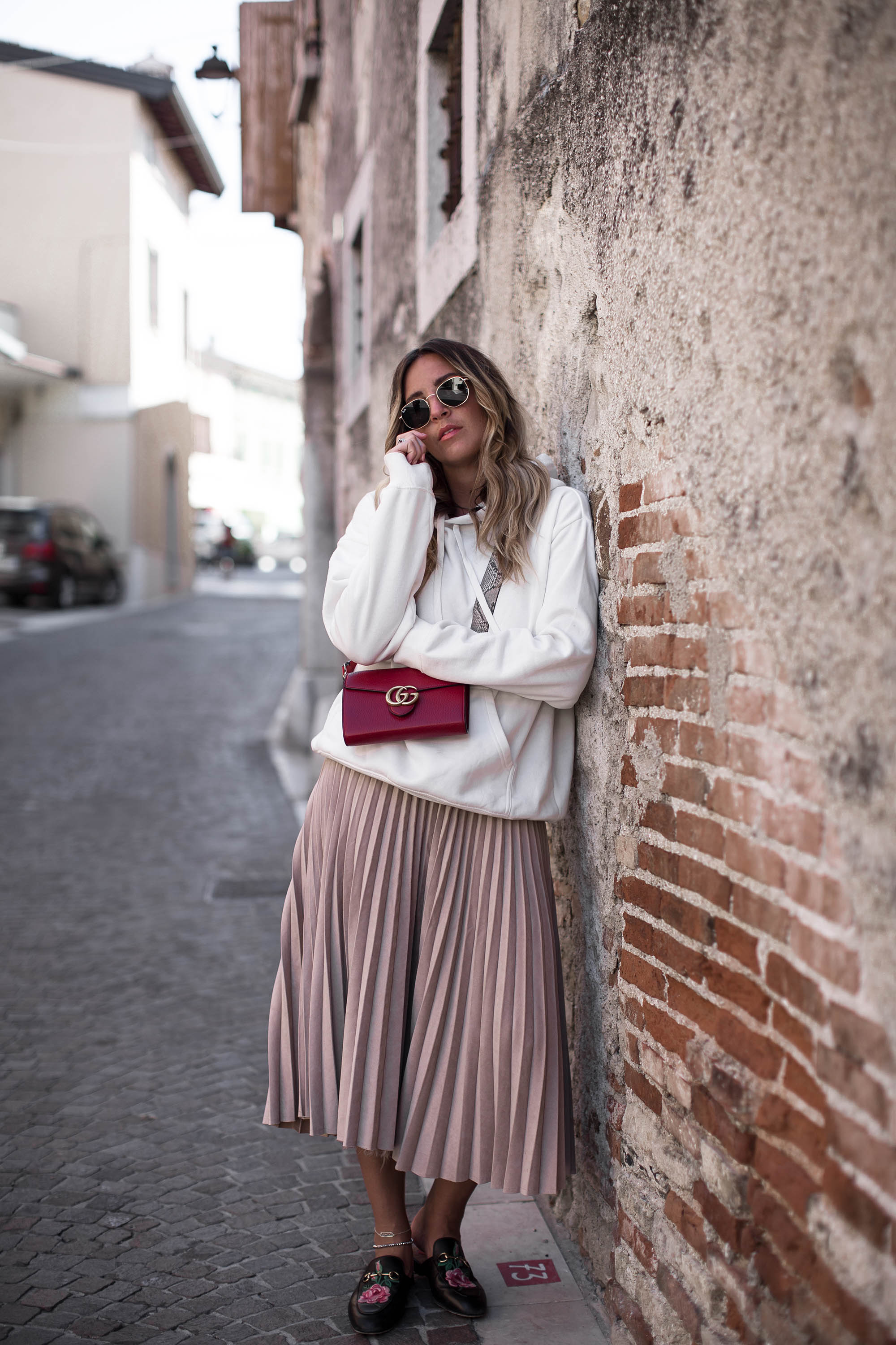 black-palms-hm-sweater-sporty-gucci-princetown-streestyle-maxi-skirt-5