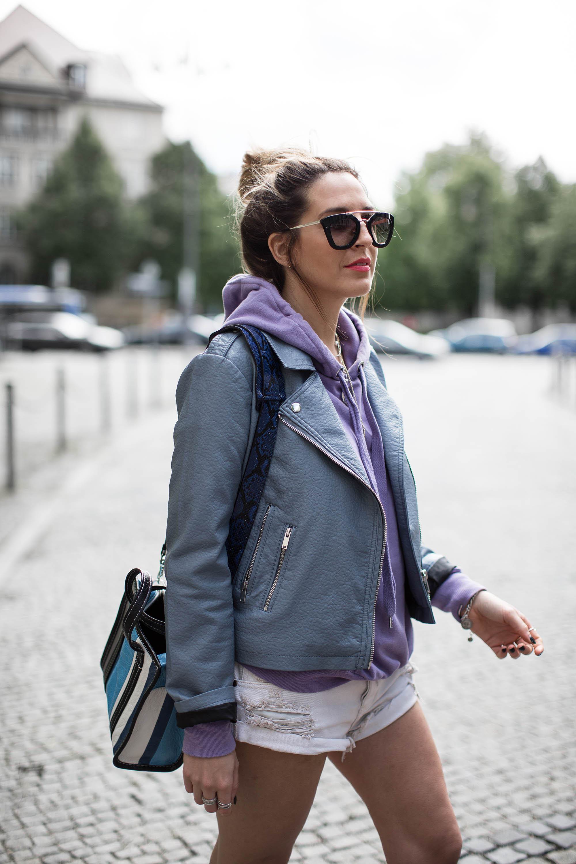 black-palms-leatherjacket-hm-loavies-one-teaspoon-shorts-fashionblog-balenciaga-9-von-13