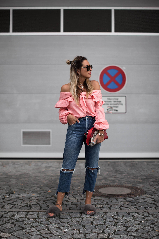 black-palms-revolve-streetstyle-off-shoulder-fashionblog-2