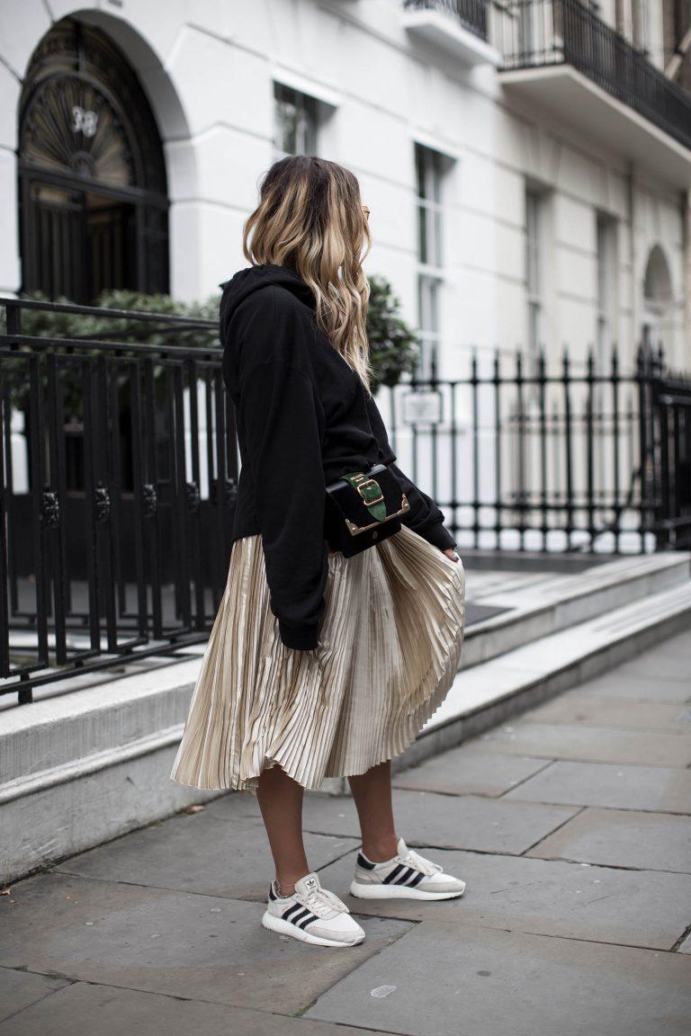 black-palms-streetstyle-edited-hm-sweater-london-fashionblog-3-768x1152