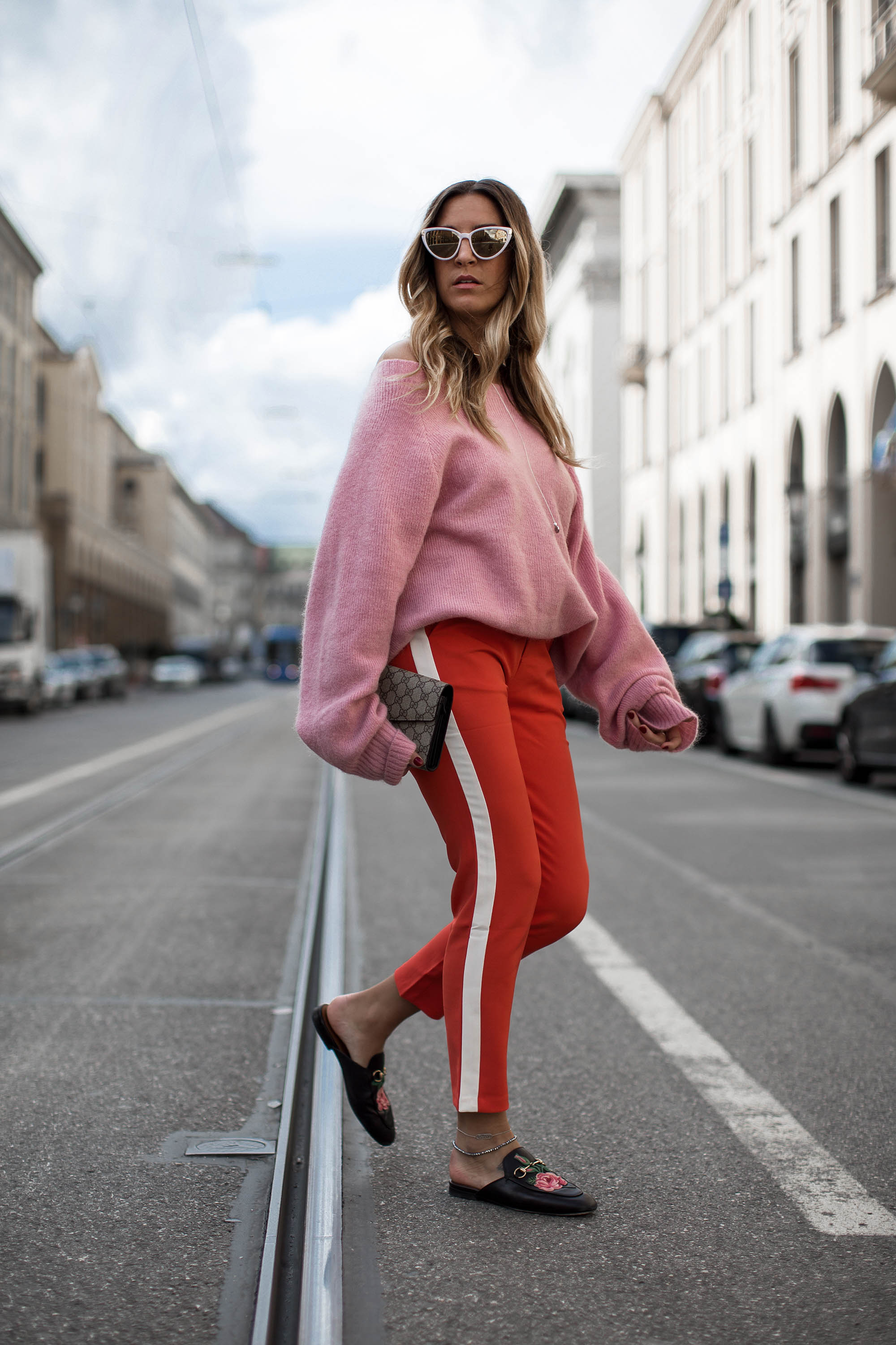 black-palms-streetstyle-edited-red-pink-rot-rosa-oversize-layering-gucci-16