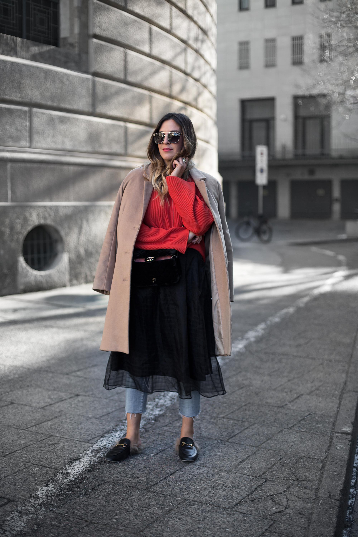 black-palms-streetstyle-fashionweek-berlin-gucci-princetown-chanel-velvet-fashionblog-2