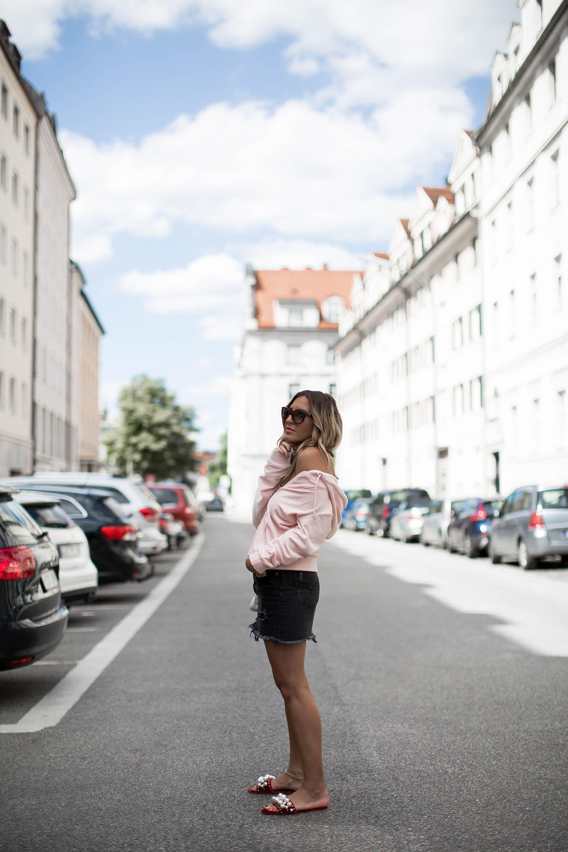 black-palms-urban-classics-hoodie-sweater-levis-skirt-denim-streestyle-3
