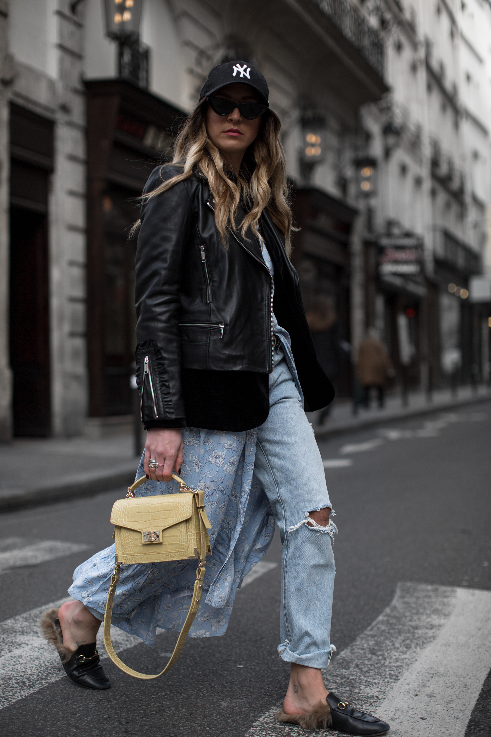 black-palms-streetstyle-in-paris-und-cafe-guide-2-23