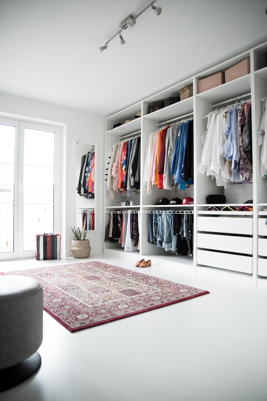 black-palms-interior-dressingroom-ankleide-renovierung-samsung-zeig-was-du-liebst-mit-ikea