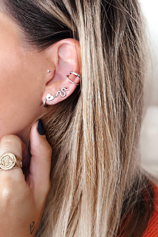 black-palms-earrings-ohrringe-piercings-sandra-ebert