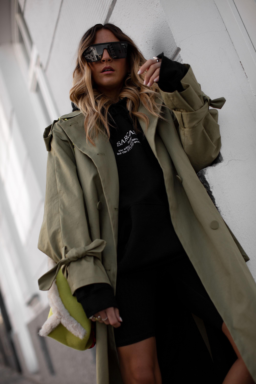 black-palms-oversize-coat-trenchcoat-radlerhose-hoodie-wetter-adidas-yung-1-12